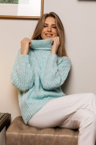 Cozy and warmth in your own knitwear