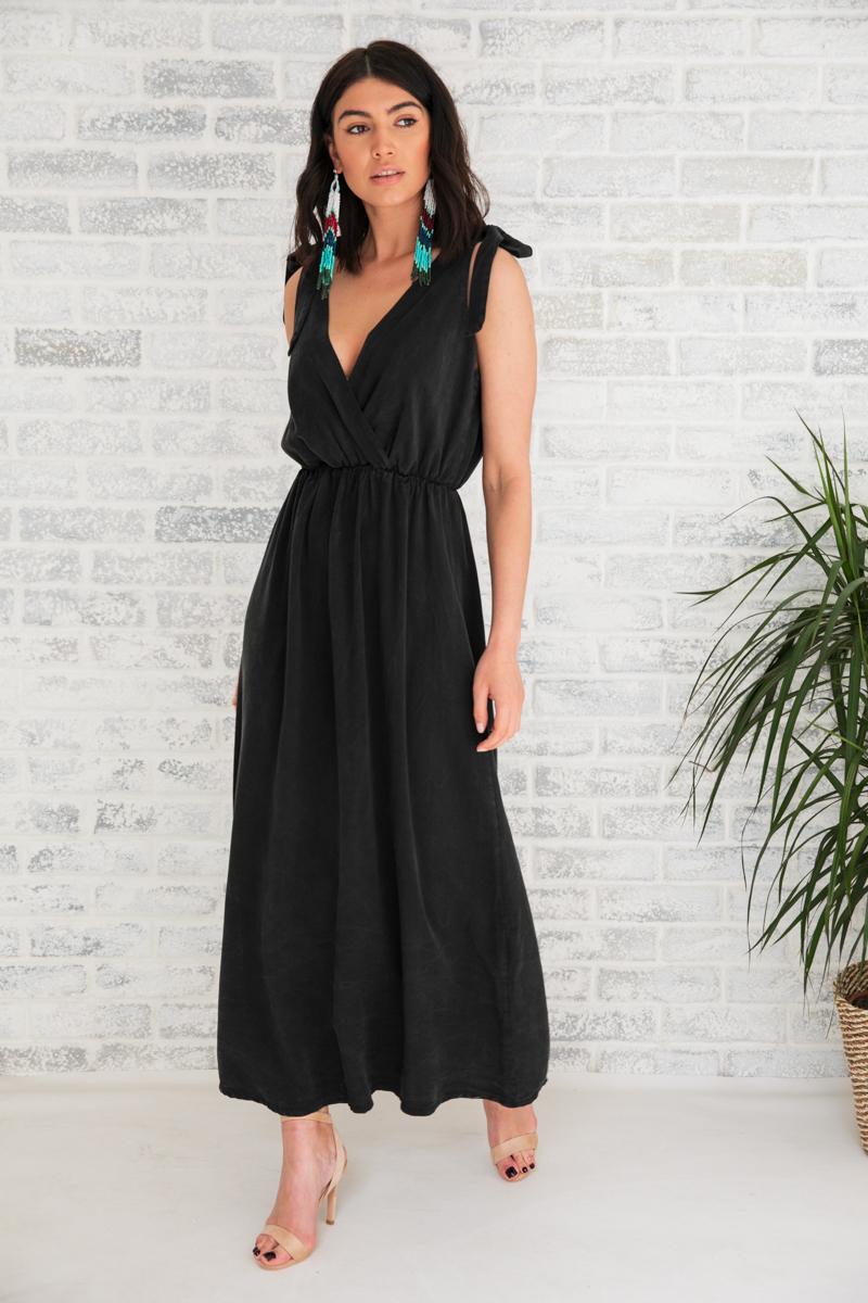 61f1fe3d0c7 Φόρεμα μαύρο μακρύ   Owtwo
