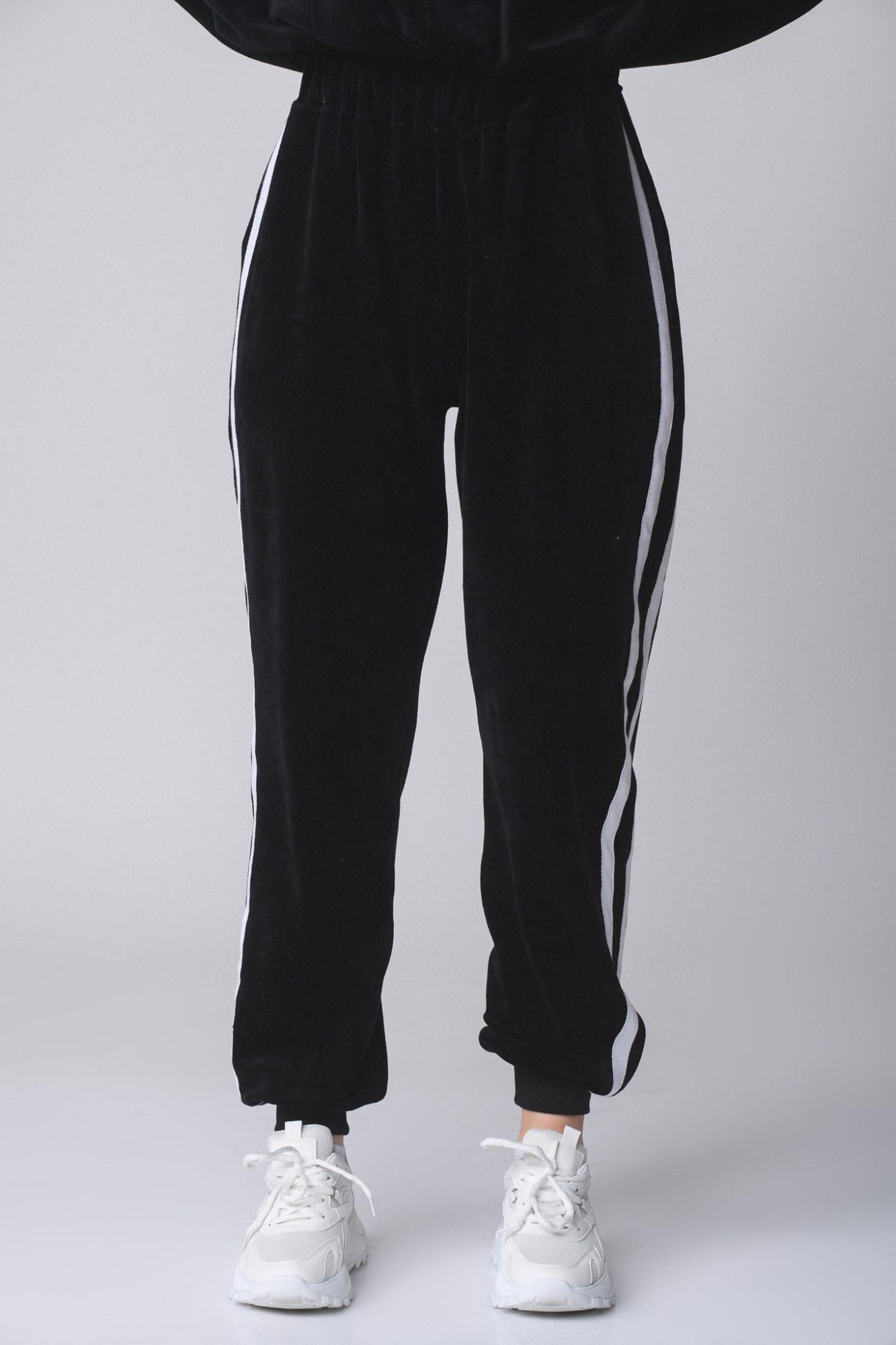 Παντελόνι μαύρο βελουτέ με ρίγα