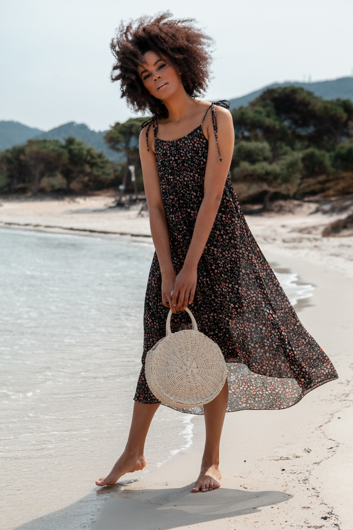 4823bdf75ae3 Φόρεμα floral μαύρο πλισέ