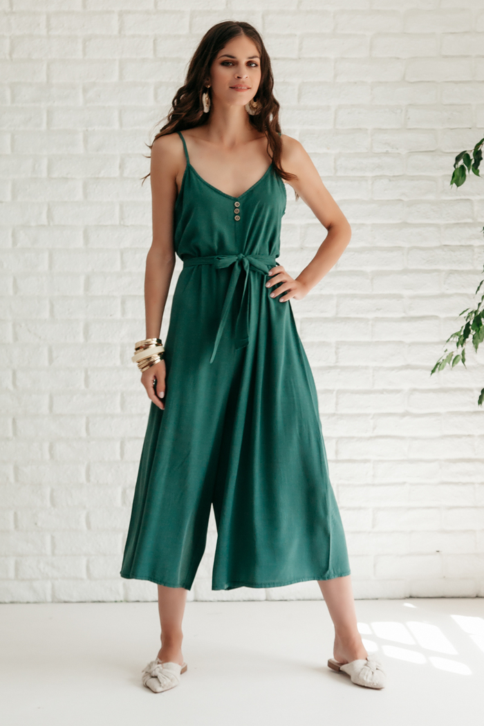 2774c5ebe93 Ολόσωμη φόρμα πράσινη με ράντες και κουμπάκια