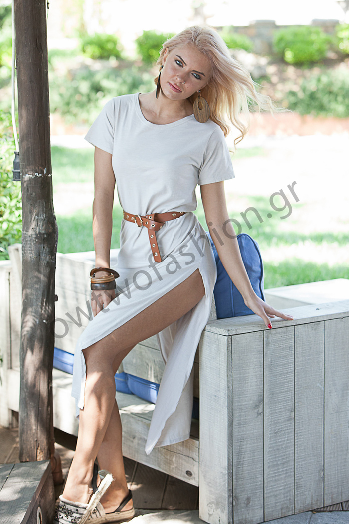 6fa6629b810b Εκρού maxi φόρεμα με σκίσιμο στο πλάι
