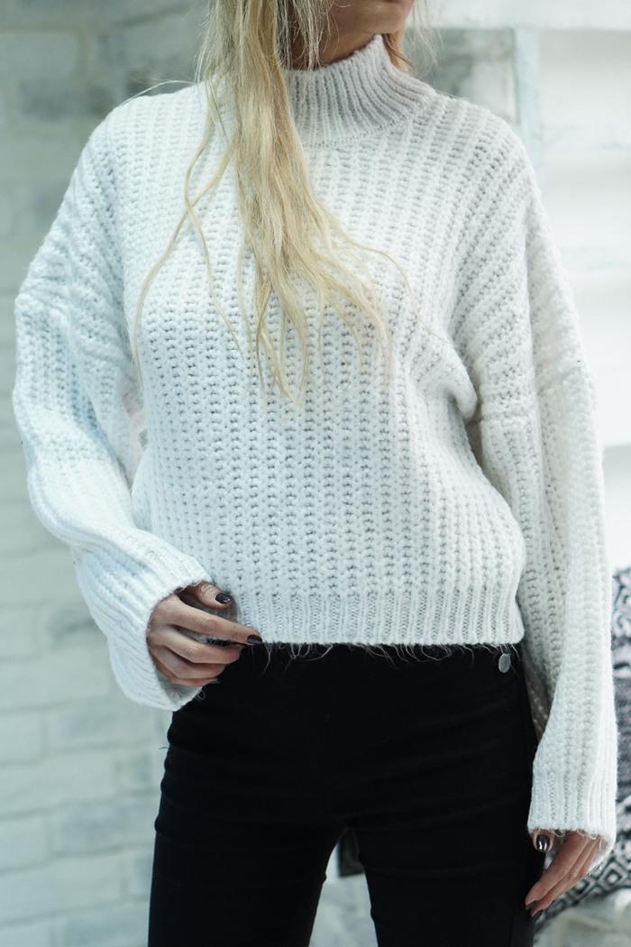 Μπλούζα πλεκτή λευκή με μανίκια καμπάνα ... 4c89fd911f8