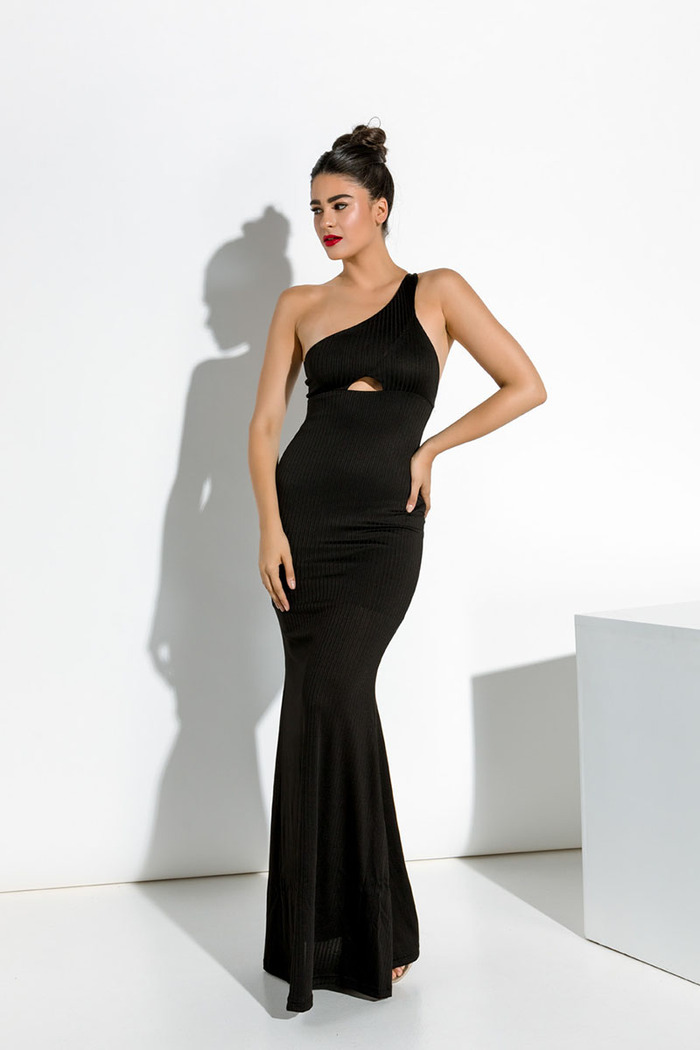6a974fa0f73 Φόρεμα μακρύ μαύρο στενό με έναν ώμο
