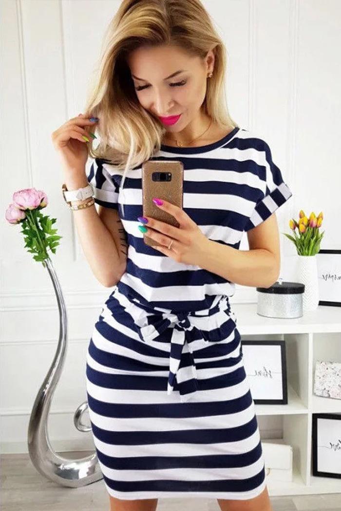 678840f4bb85 Φόρεμα ριγέ λευκό-μπλε με τσέπες