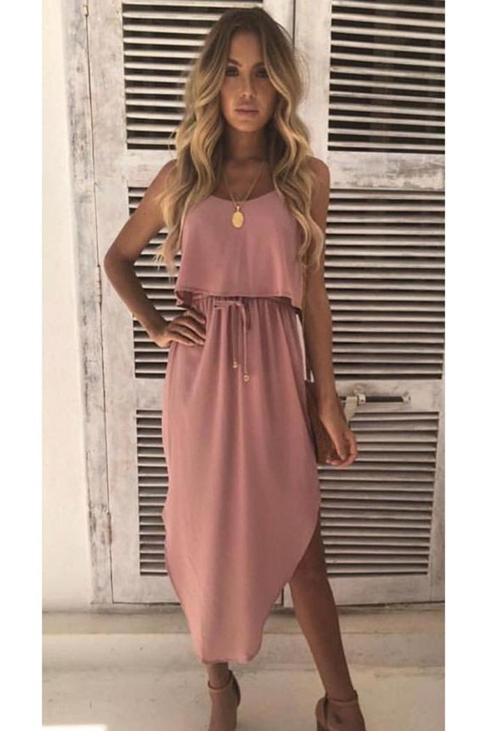 923810a303ff Φόρεμα ροζ με ράντες και σκίσιμο